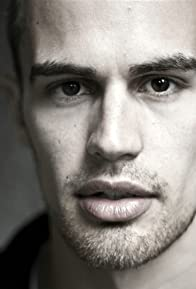 Primary photo for Theo James