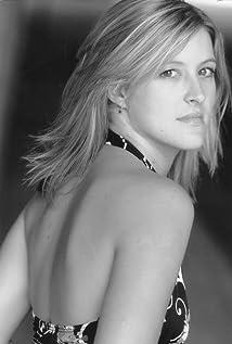 Sara Arrington Picture