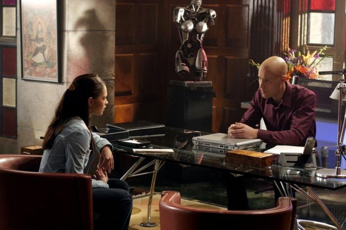 Smallville 3×10 – Susurro
