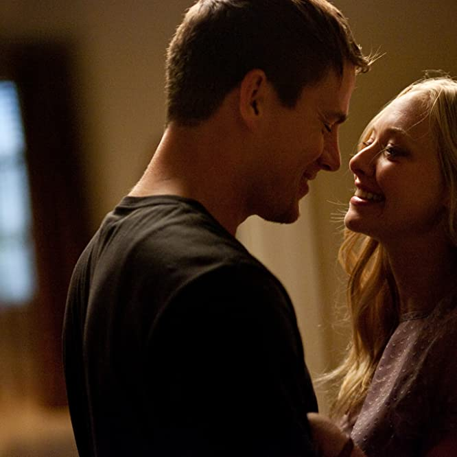 Amanda Seyfried and Channing Tatum in Dear John (2010)