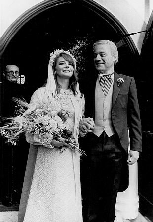 Natalie Wood with husband Richard Gregson in their wedding day, May 30, 1969.