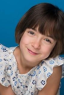 Kira Gelineau Picture