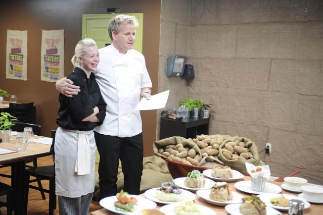 Gordon Ramsay and Danielle Keller in Kitchen Nightmares (2007)