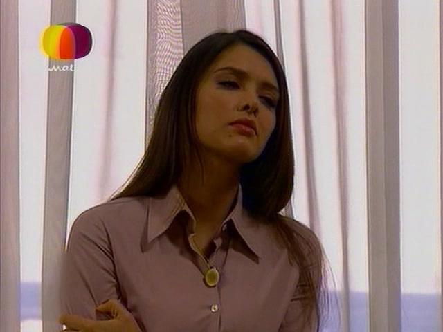 Marlene Favela in Contra viento y marea (2005)
