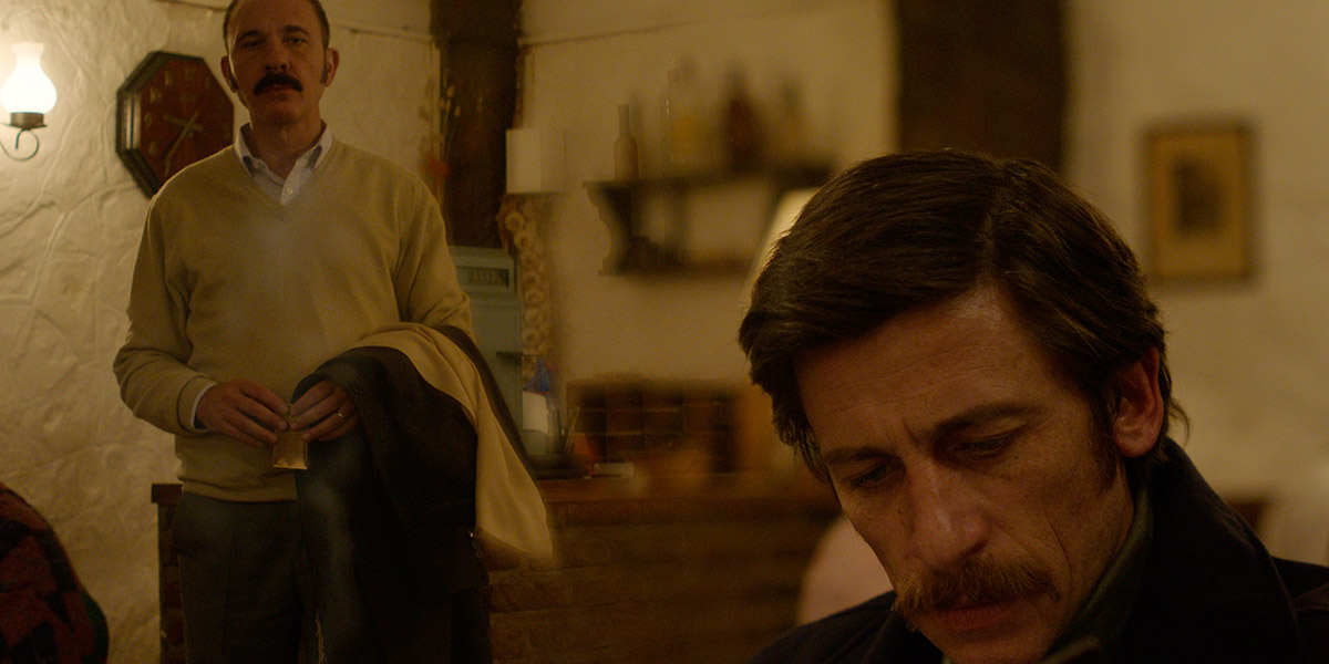 Darío Grandinetti and Diego Cremonesi in Rojo (2018)
