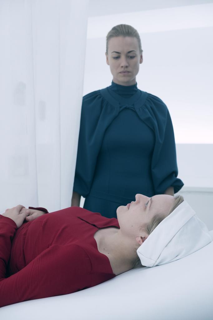 Рассказ Служанки 3 сезон 4 серия смотреть онлайн