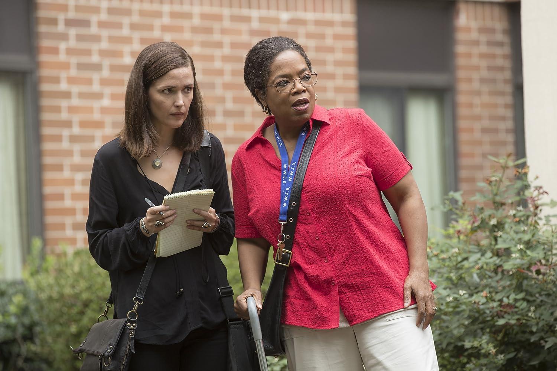 Oprah Winfrey dan Rose Byrne dalam The Immortal Life of Henrietta Lacks (2017)