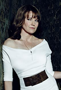 Lucy Lawless Picture