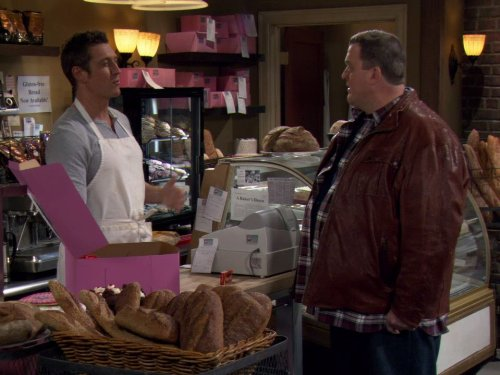 Robert Gant and Billy Gardell in Mike & Molly (2010)