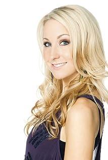Nikki Glaser Picture