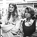 Laura Dern and Mary Kay Place in Citizen Ruth (1996)
