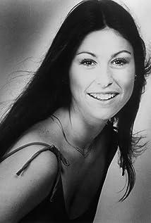 Diana Canova Picture