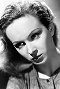 Primary photo for Joan Greenwood