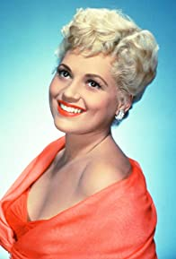 Primary photo for Judy Holliday