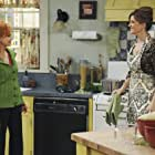 Swoosie Kurtz and Melinda McGraw in Hank (2009)