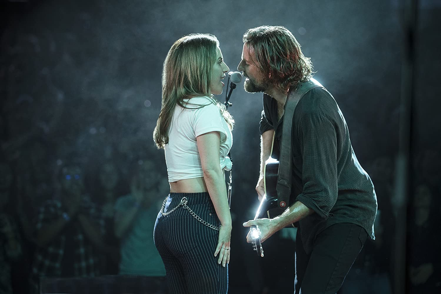S-a nascut o stea - A Star Is Born (2018) Online Subtitrat in Romana