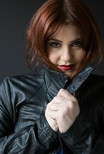 Stefanie Black Picture