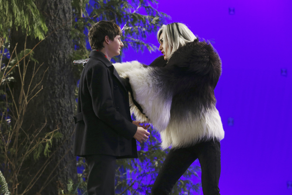 Victoria Smurfit and Jared Gilmore in Once Upon a Time (2011)