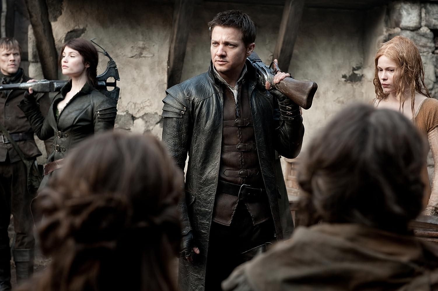 Jeremy Renner, Pihla Viitala, and Gemma Arterton in Hansel & Gretel: Witch Hunters (2013)