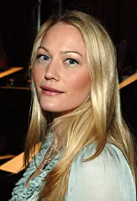 Primary photo for Sarah Wynter