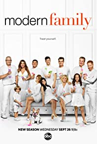 Primary photo for Modern Family