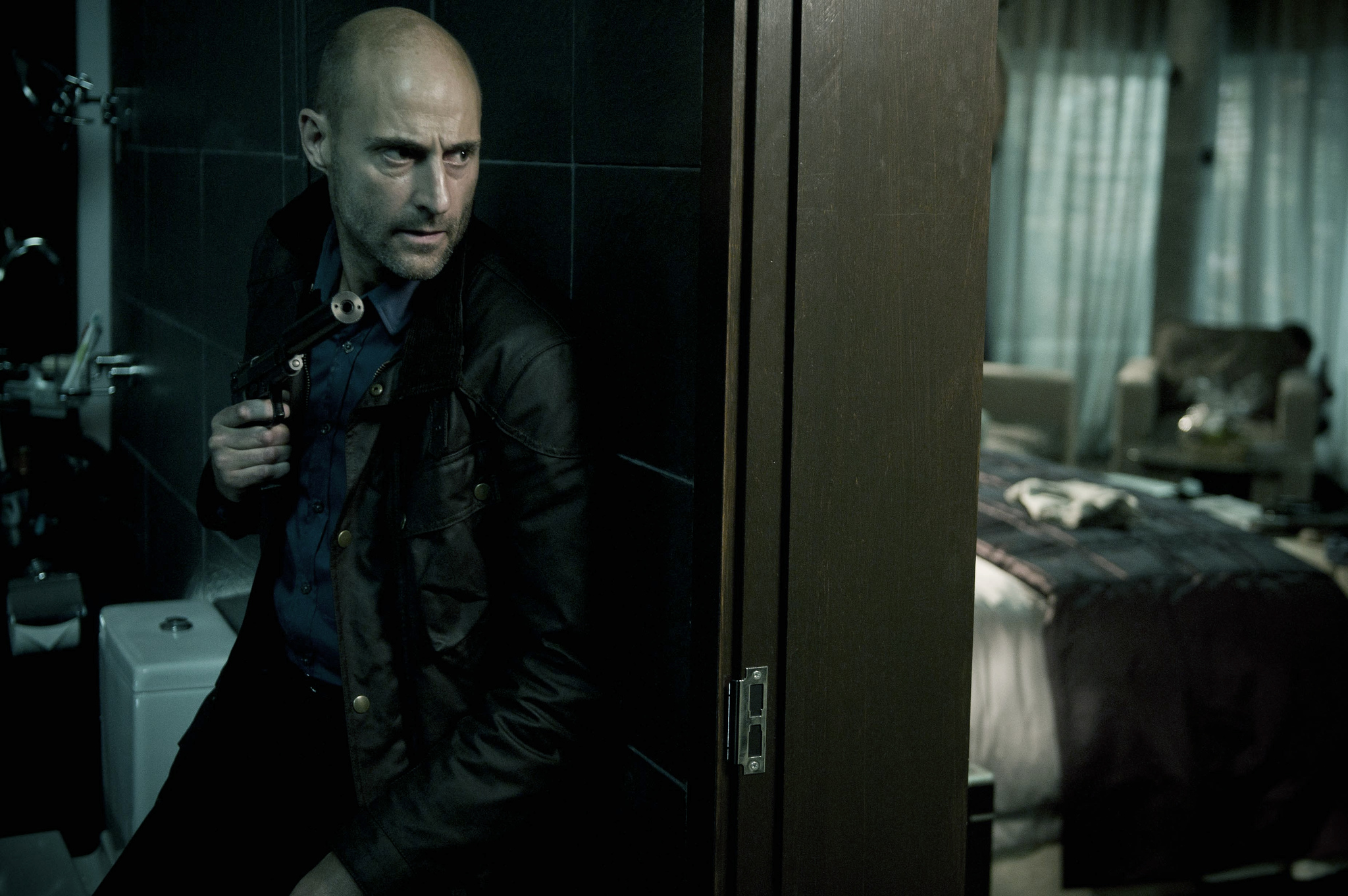 Mark Strong in Welcome to the Punch (2013)