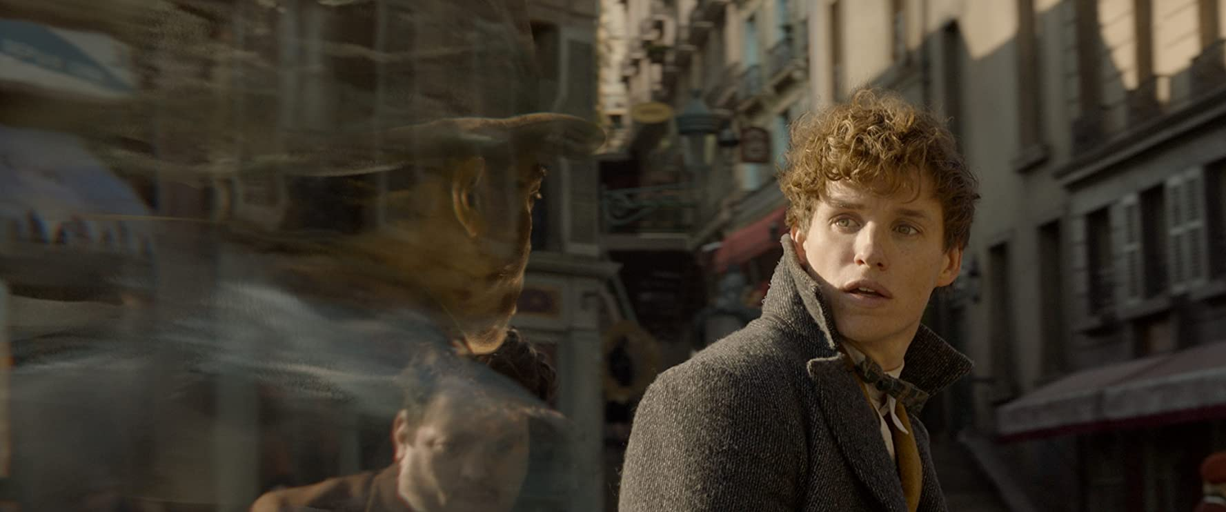 Eddie Redmayne in Fantastic Beasts: The Crimes of Grindelwald (2018)
