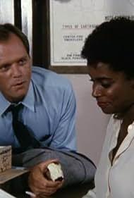 Fred Dryer in Hunter (1984)