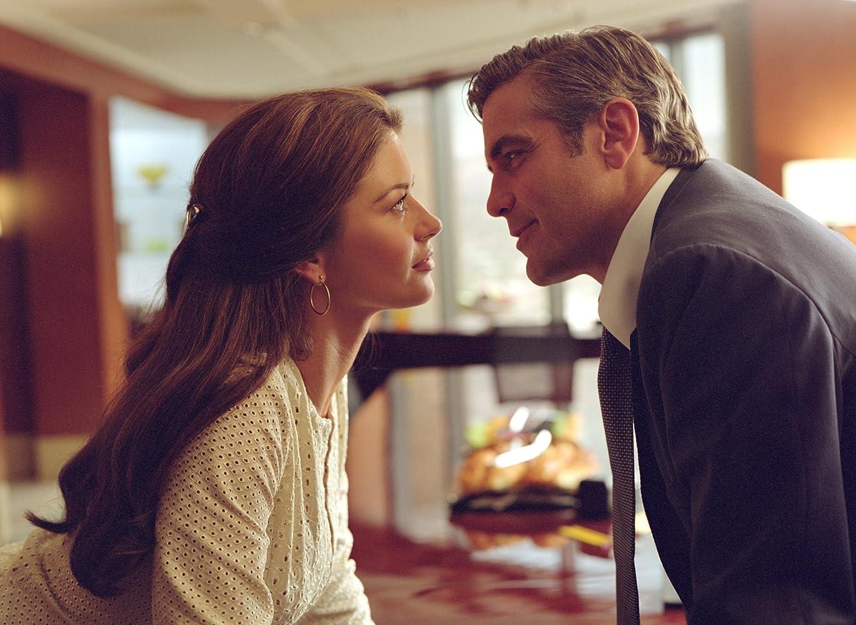 George Clooney and Catherine Zeta-Jones in Intolerable Cruelty (2003)
