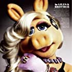 Eric Jacobson and Miss Piggy in The Muppets (2011)