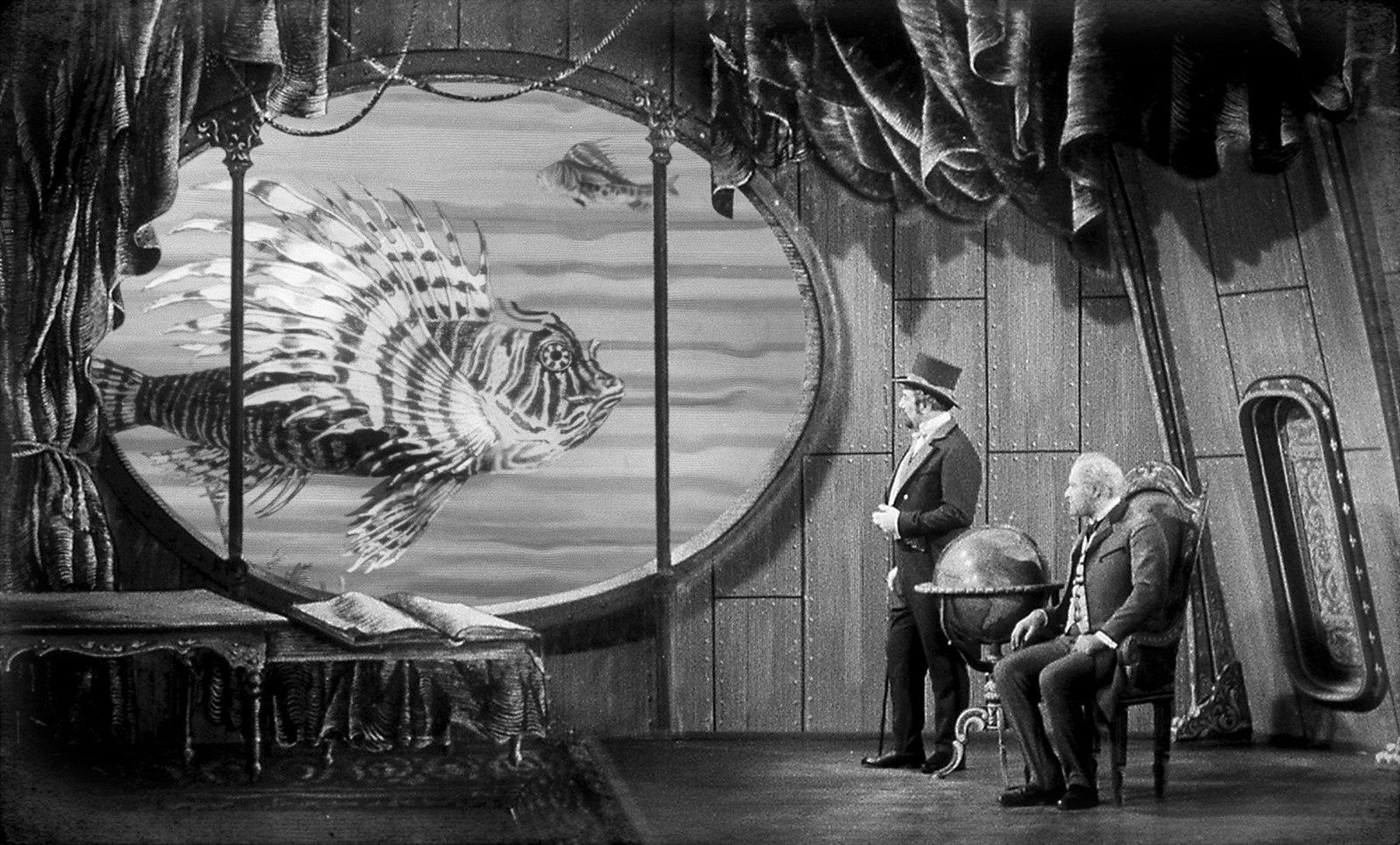 Miroslav Holub and Arnost Navrátil in Vynález zkázy (1958)