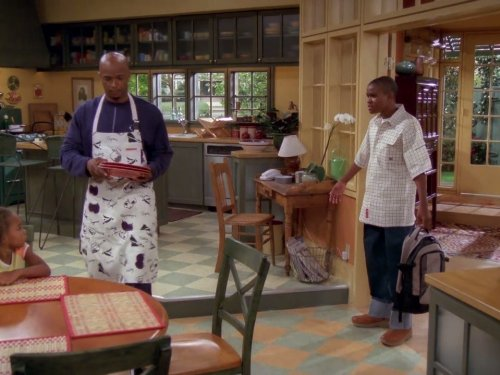 Damon Wayans and George Gore II in My Wife and Kids (2001)