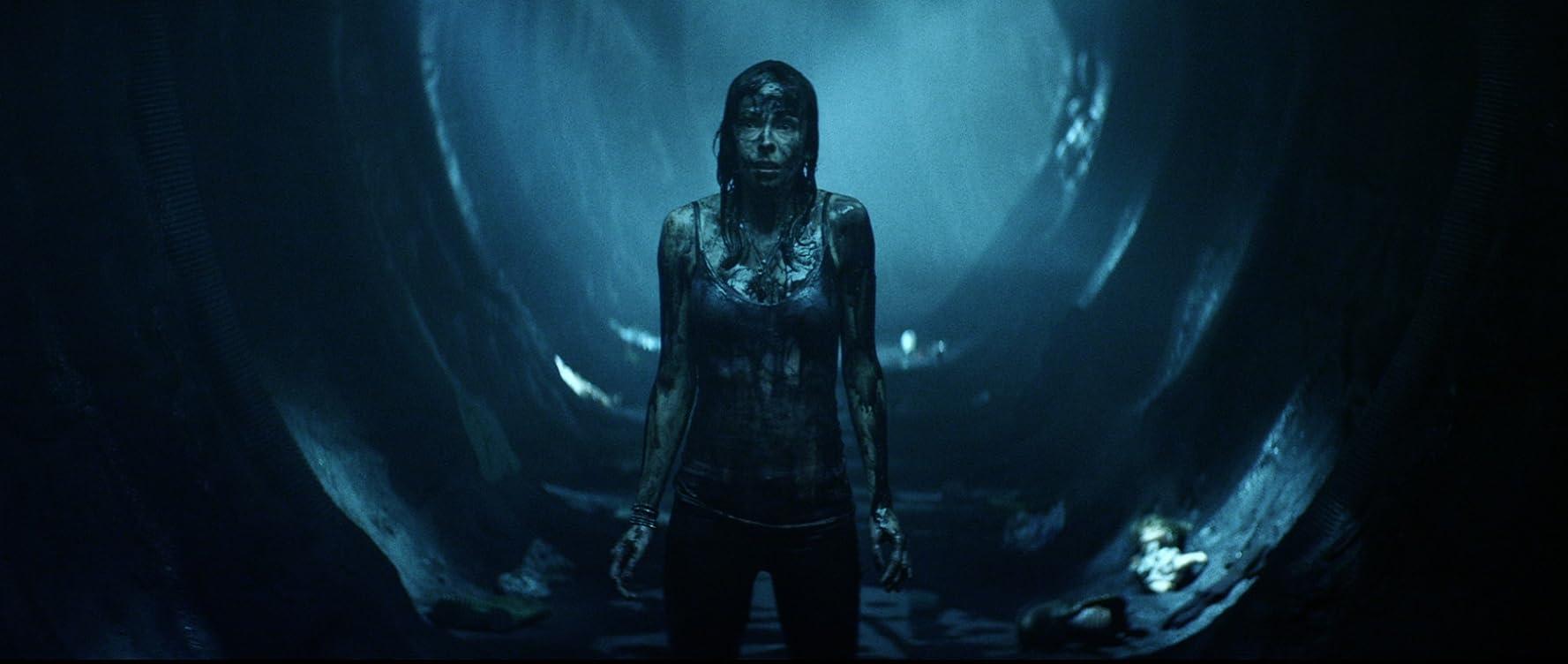 Brittany Allen in Extraterrestrial (2014)