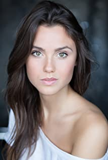 Poppy Drayton Picture