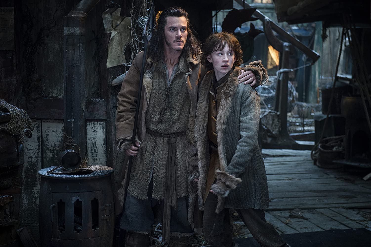 Luke Evans and John Bell in The Hobbit: The Desolation of Smaug (2013)