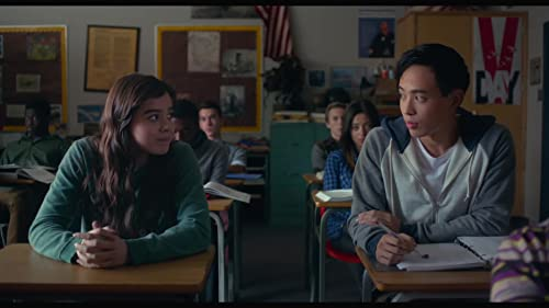 "The Edge Of Seventeen ""Group Date"" Clip."