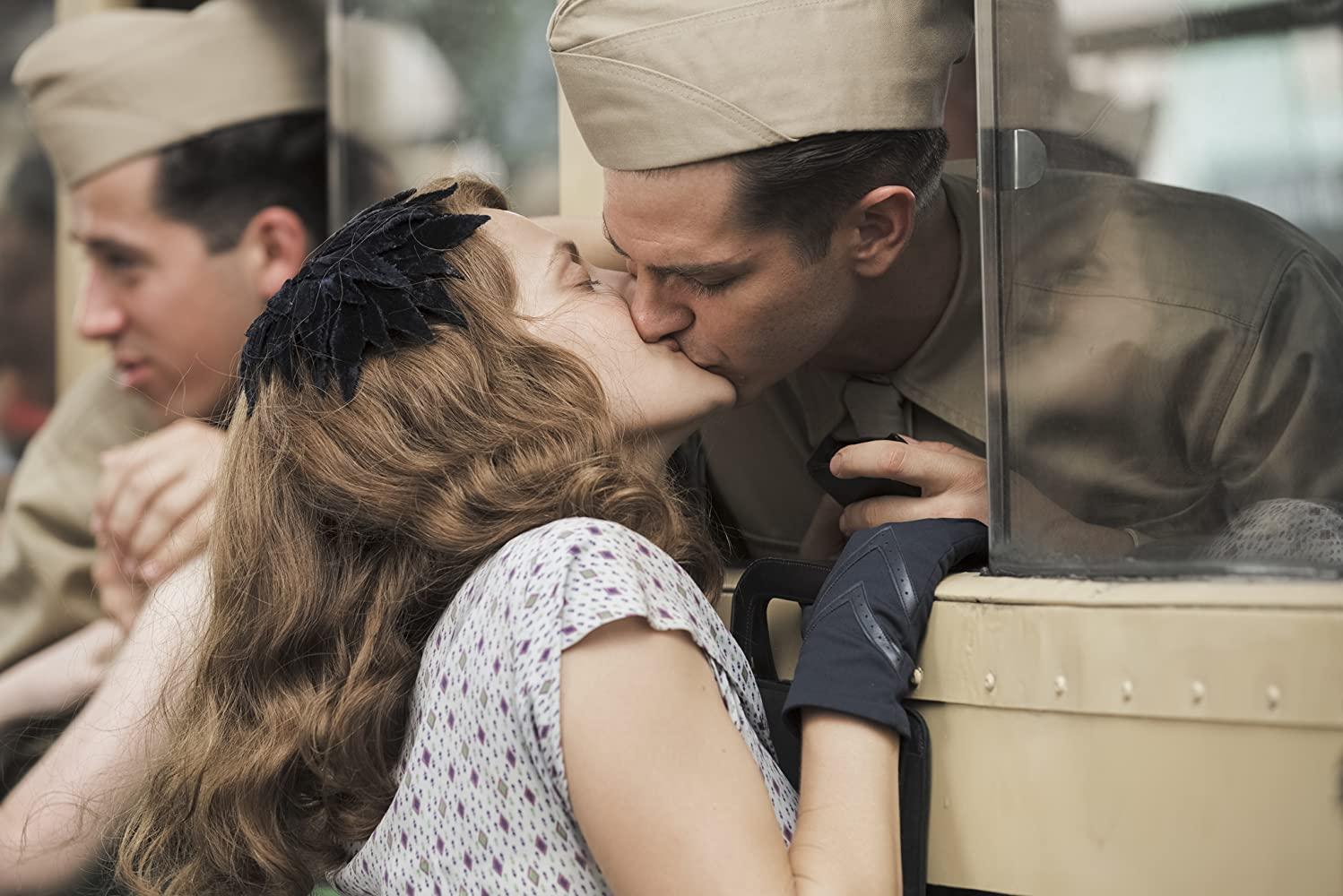 Andrew Garfield and Teresa Palmer in Hacksaw Ridge (2016)