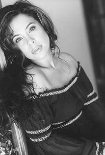 Brooke Lewis Bellas Picture