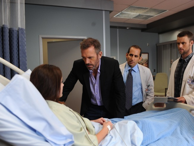 Doctor House 8×07 – Muerto y enterrado