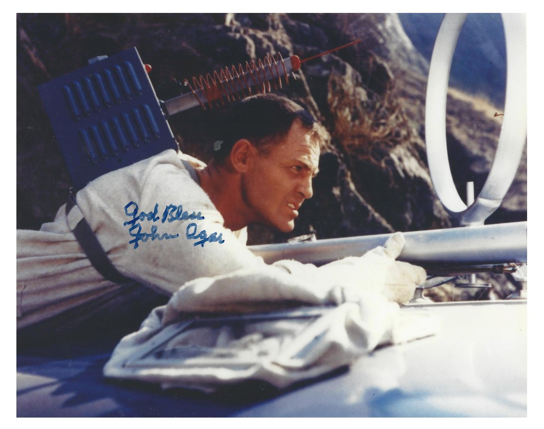 John Agar in Invisible Invaders (1959)