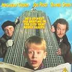 Macaulay Culkin, Joe Pesci, and Daniel Stern in Home Alone 2: Lost in New York (1992)