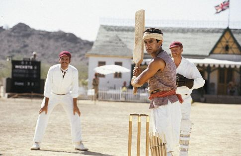 Paul Blackthorne and Aamir Khan in Lagaan: Once Upon a Time in India (2001)