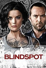 Sullivan Stapleton and Jaimie Alexander in Blindspot: The 360 Experience (2016)