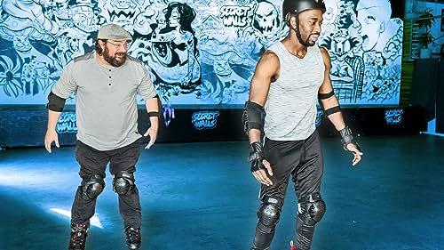 Bobby Moynihan Teaches Jay To Inline Skate
