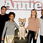Cameron Diaz, Jamie Foxx, Bobby Cannavale, and Quvenzhané Wallis in Annie (2014)