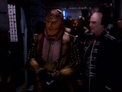 Peter Jurasik and Andreas Katsulas in Babylon 5 (1993)