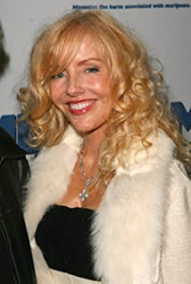 Shelby Chong Picture