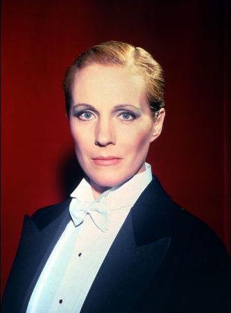 """""""Victor / Victoria"""" Julie Andrews 1981 MGM/UA"""
