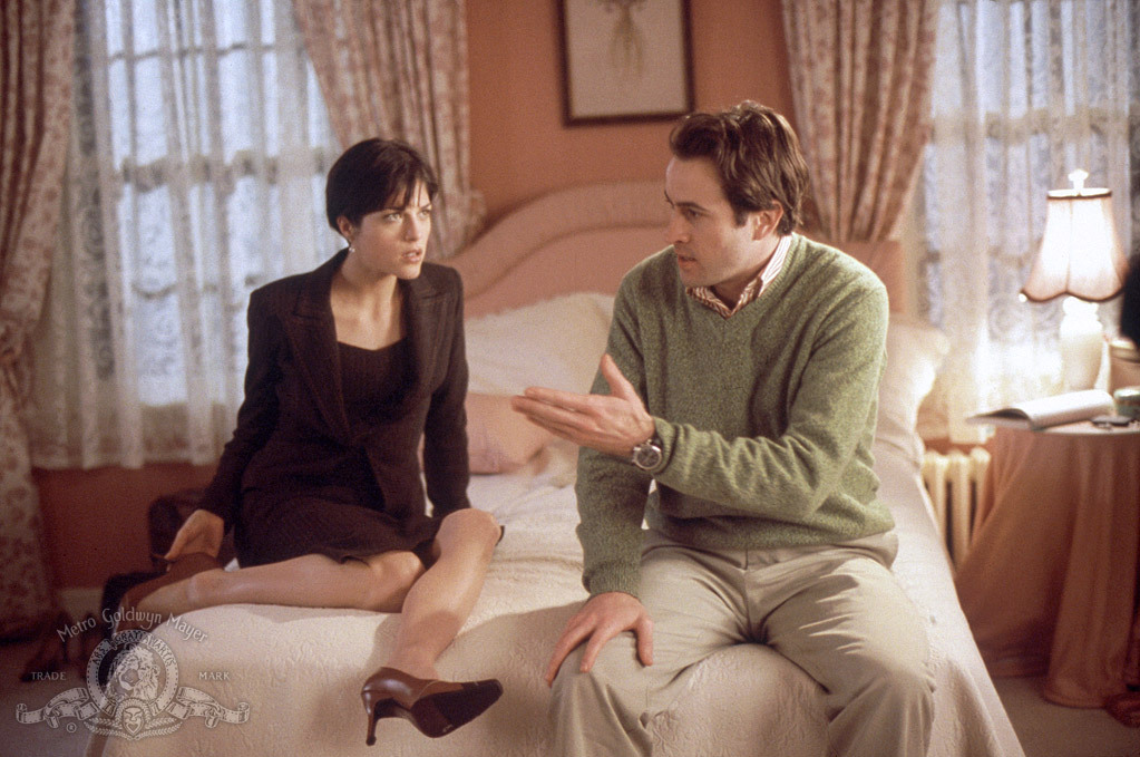 Selma Blair and Jason Lee in A Guy Thing (2003)