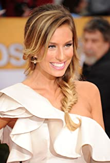 Renee Bargh Picture